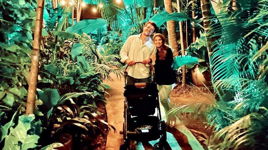 Bindi Irwin und Chandler zum ersten Mal mit Baby on Tour