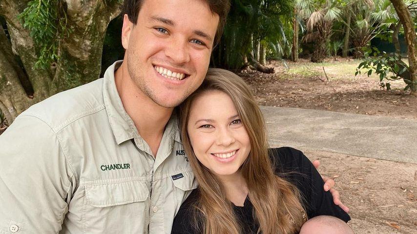 Chandler Powell und Bindi Irwin mit ihrer Tochter Grace