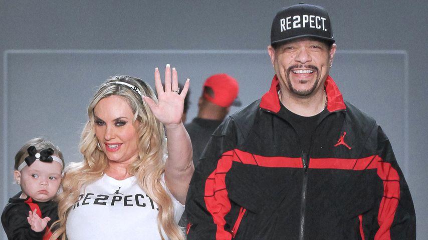"""Chanel mit ihren Eltern Coco Austin und Ice-T auf dem Runway der """"Rookie USA""""-Show"""