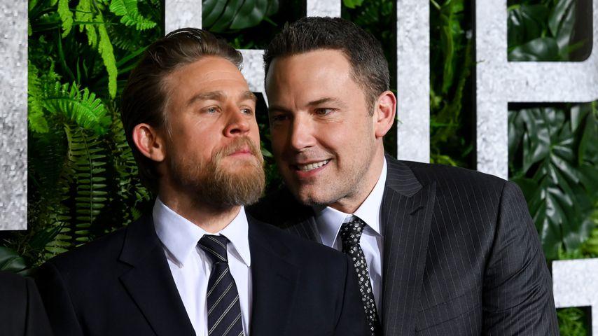 Charlie Hunnam und Ben Affleck im März 2019