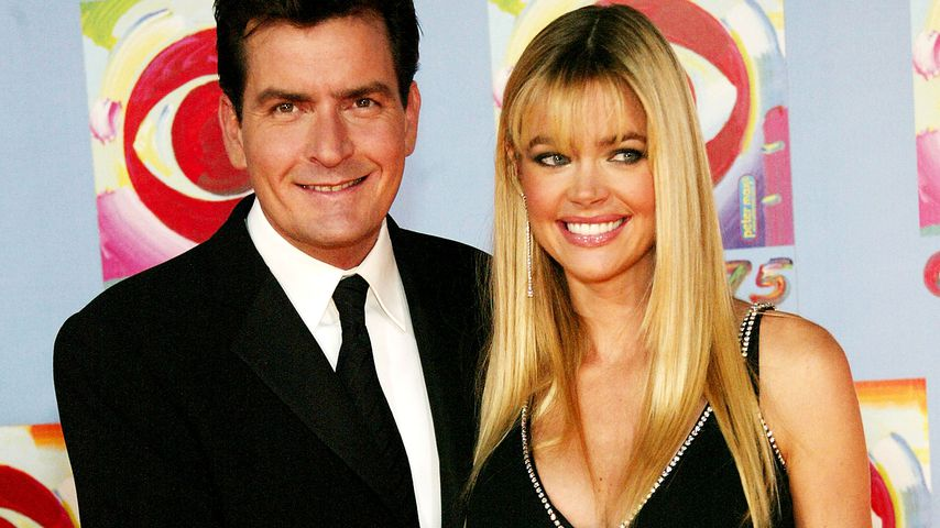 Charlie Sheen und Denise Richards im November 2003