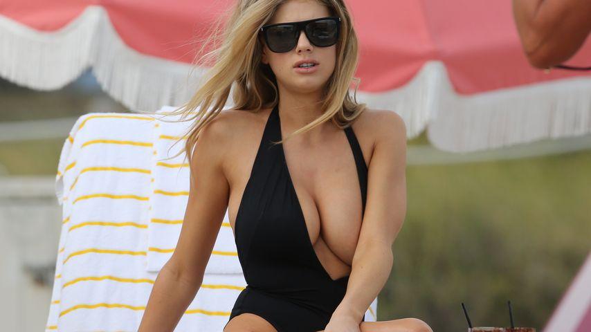 Gefährlicher Badeanzug: Pass auf, Charlotte McKinney!