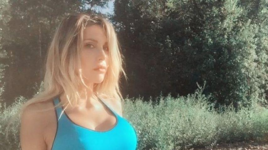 Busen-Shitstorm: Hat diese Promi-Tochter zu große Brüste?