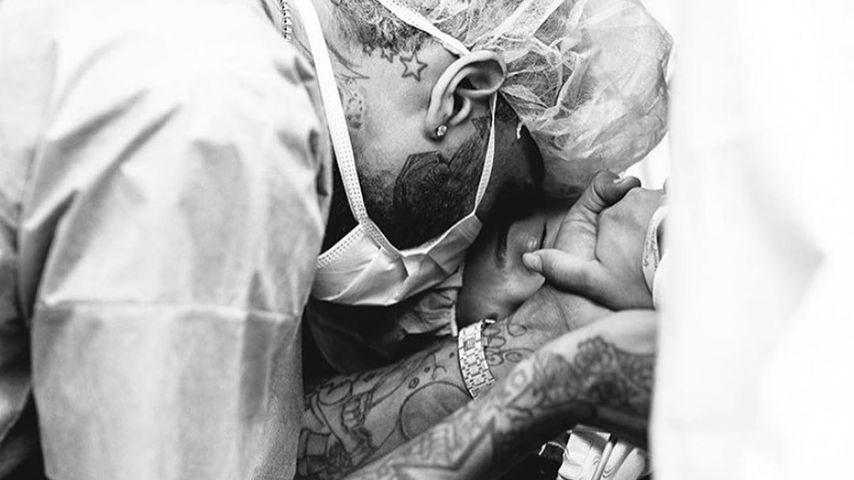 Chris Brown und Ammika Harris kurz nach der Geburt, November 2019