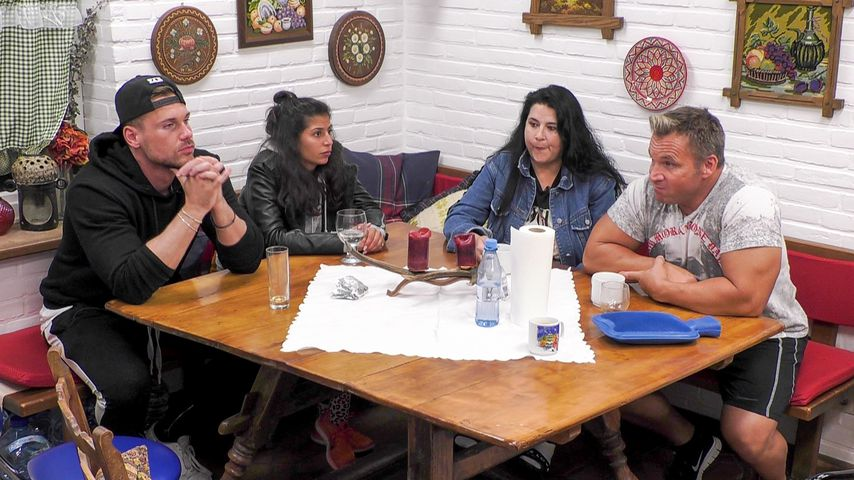 """Chris, Eva, Iris und Peter im """"Sommerhaus der Stars"""""""