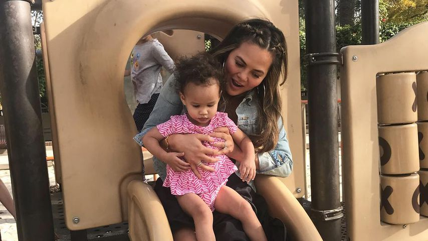 Chrissy Teigen und Töchterchen Luna