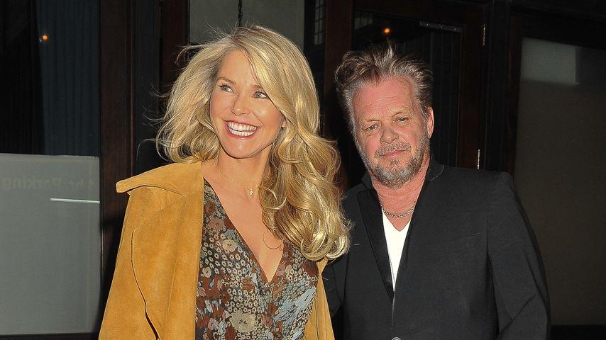 Christie Brinkley und Freund John Mellencamp nach einem Dinner in New York