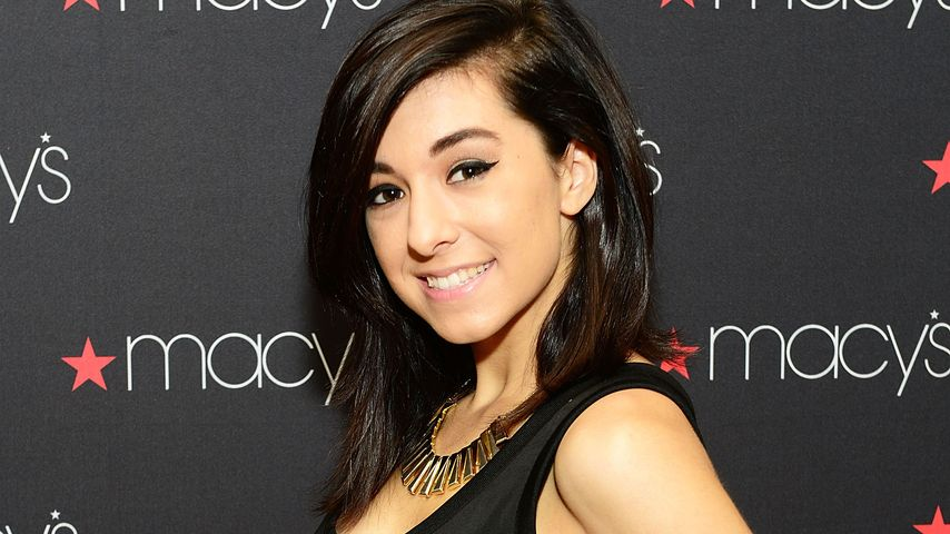 """Christina Grimmie bei Macy's iHeartRadio """"Rising Star In-Store Performance"""""""