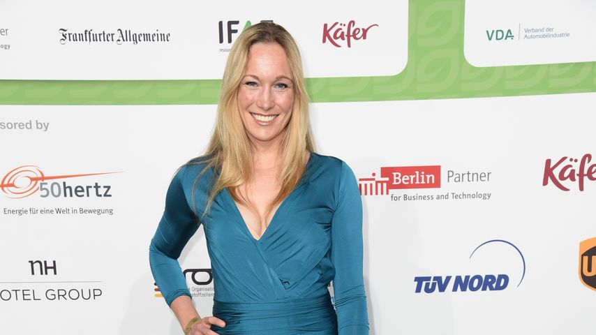 1. Auftritt als Mama: Christine Theiss zeigt After-Baby-Body