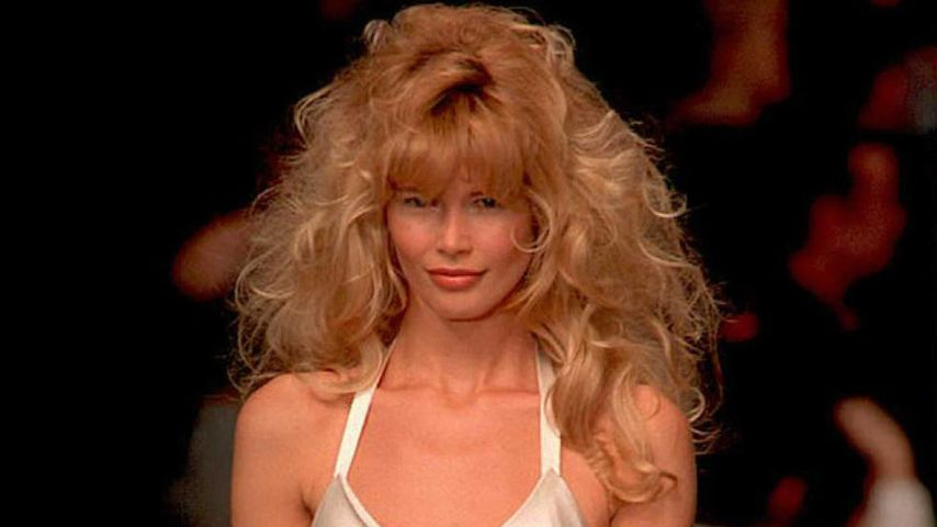 Claudia Schiffer bei Karl Lagerfelds ready-to-wear-Show 1995