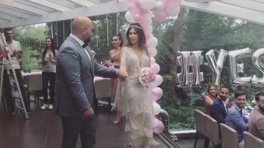 Clumsy und ihr Ehemann bei der Hochzeit