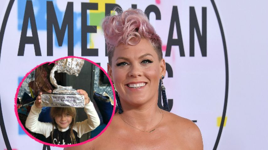 Als Trost: Pinks Kids basteln ihr Grammy aus Alufolie
