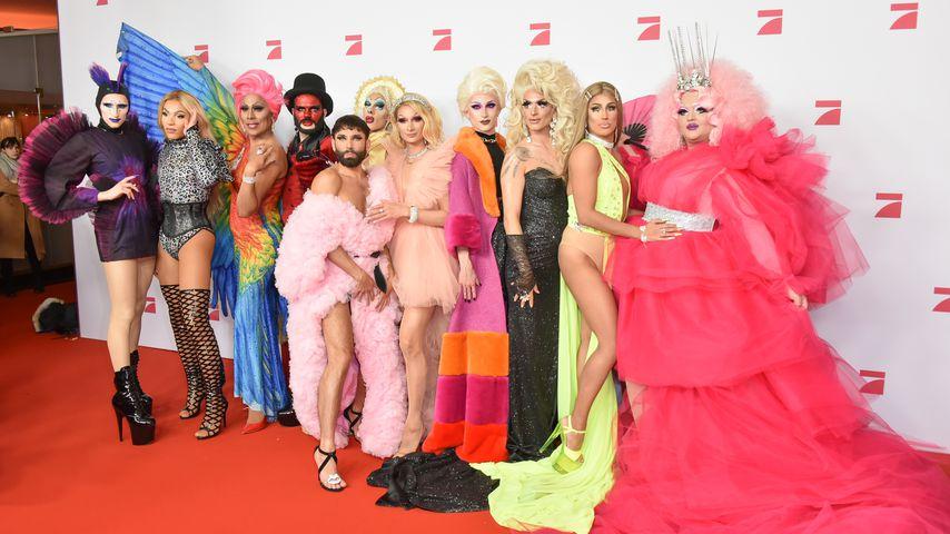 """Conchita Wurst mit den """"Queen of Drags""""-Kandidatinnen"""