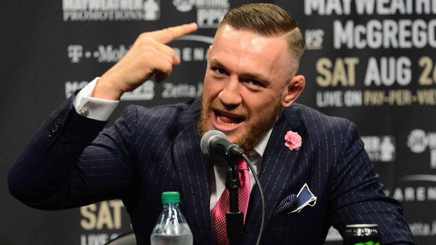 """""""Fuck you""""-Anzug! MMA-Star Conor McGregor provoziert Gegner"""