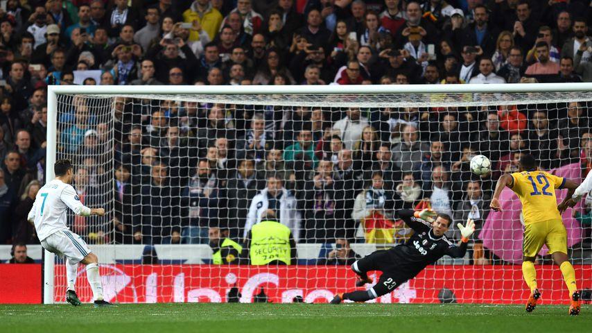 Cristiano Ronaldo beim Strafstoß-Tor während des Champions League-Matches gegen Juventus Turin