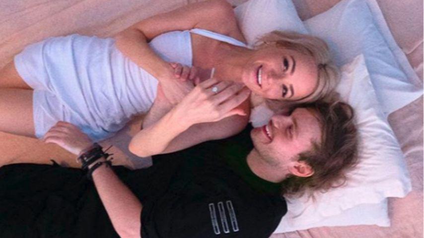 Crystal Leigh und Michael Clifford nach ihrer Verlobung