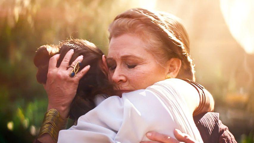 """Daisy Ridley und Carrie Fisher in einer Szene aus """"Star Wars: Der Aufstieg Skywalkers"""""""