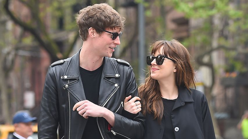Matthew Hitt und Dakota Johnson
