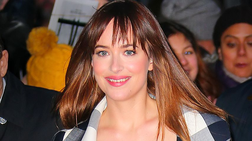 "Dank ""Shades of Grey""? Dakota Johnsons Glow-Teint"