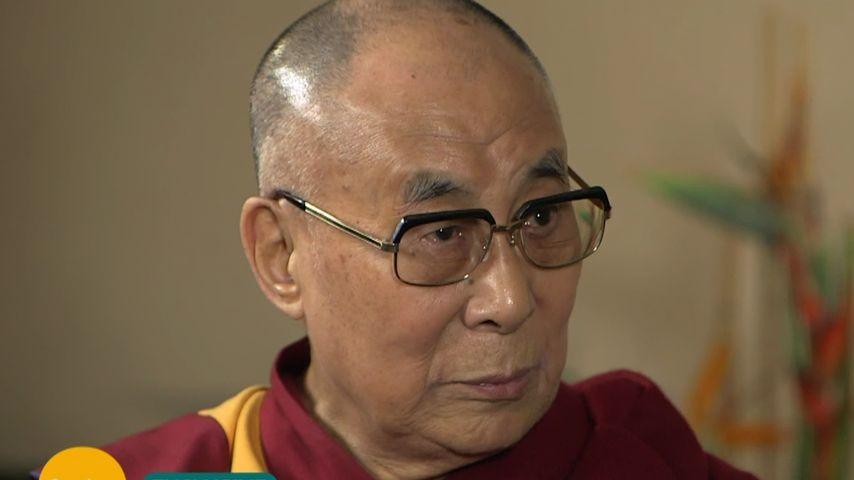 Oha! Dalai Lama besorgt über Seelen-Wohl der Brangelina-Kids