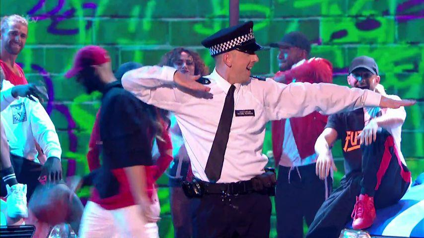 Richtiger Netz-Hitz: Das ist der coolste Polizist Englands!