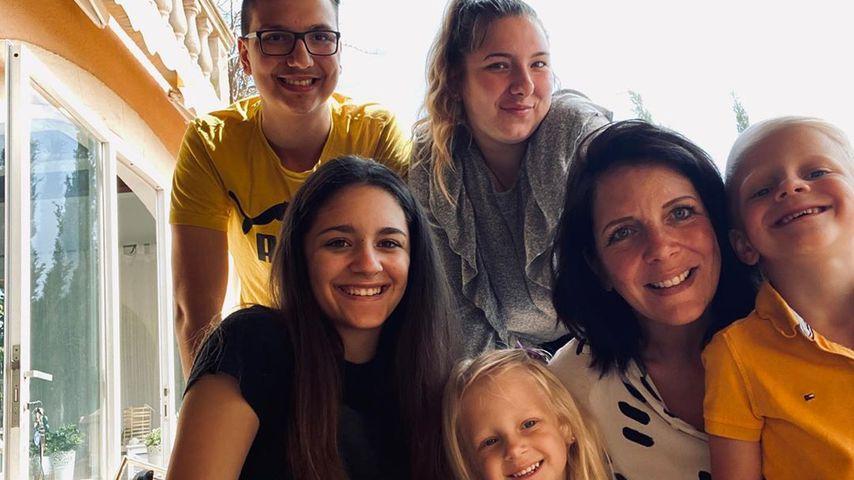 Daniela Büchner mit ihren Kindern, Ostern 2020