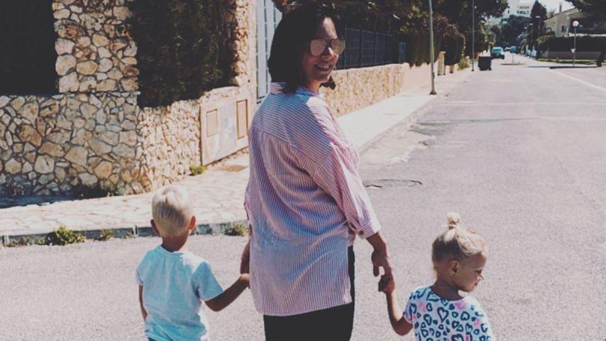 Daniela Büchner mit ihren Zwillingen Diego und Jenna, Ostern 2020