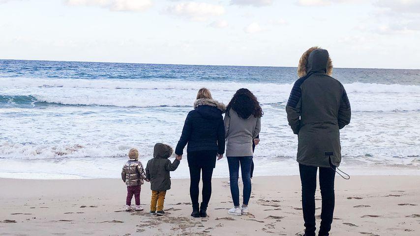 Daniela Büchner mit ihren Kindern auf Mallorca