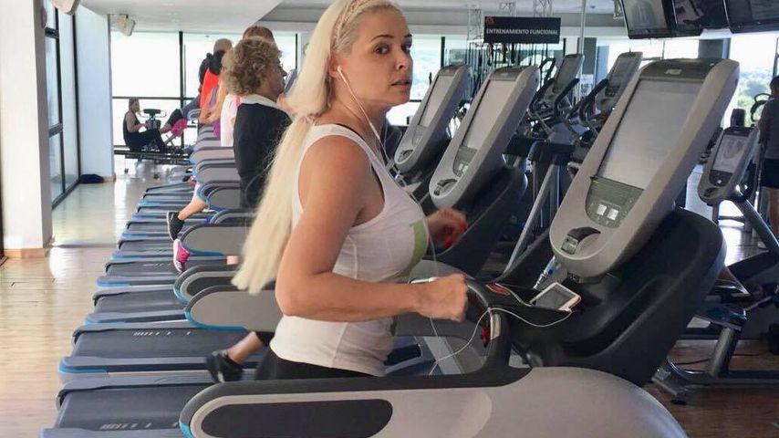 Miese Stimmung im Gym: Die Katze schmollt auf dem Laufband!