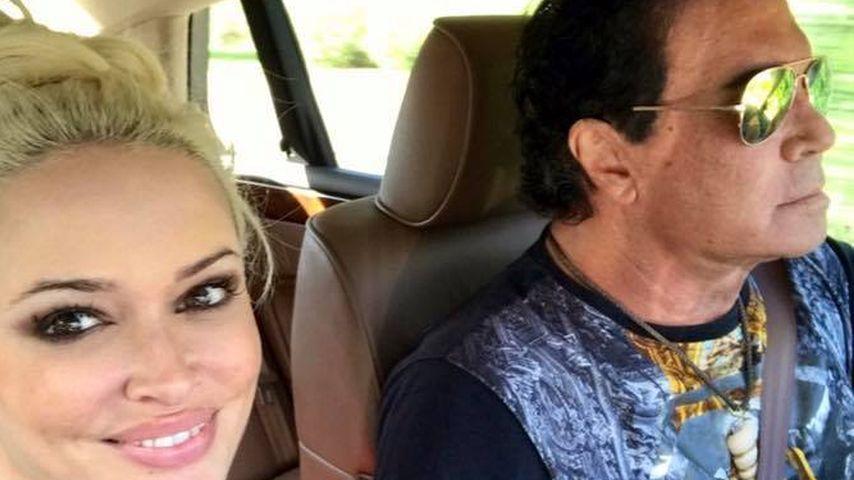 Daniela Katzenberger mit Costa Cordalis im Auto