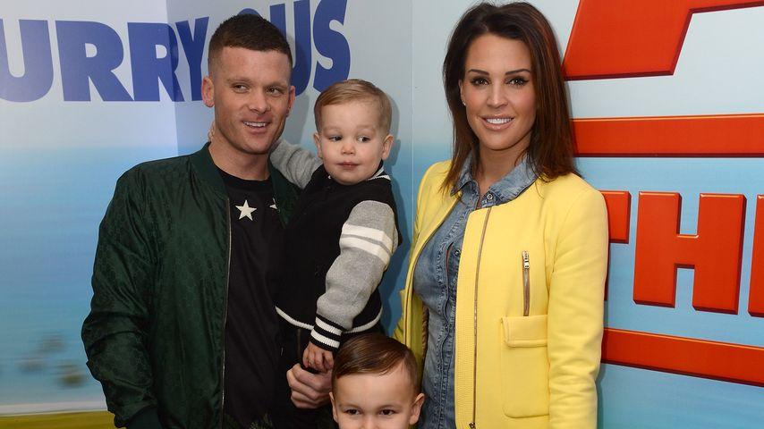 Danielle Lloyd mit ihren drei Söhnen und ihrem Verlobten Michael O'Neill