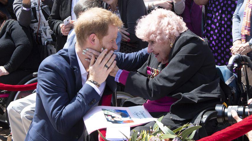 Prinz Harry mit Daphne Dunne im Oktober 2018