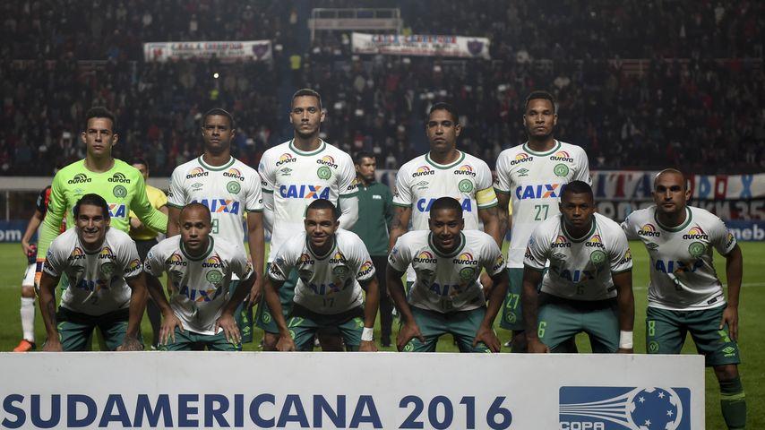 Flugzeug-Absturz: Brasilianische Fußballmanschaft an Bord