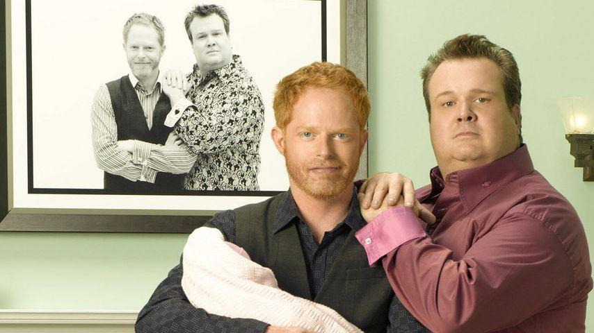 """Mitchell und Cam mit Baby Lily bei """"Modern Family"""""""