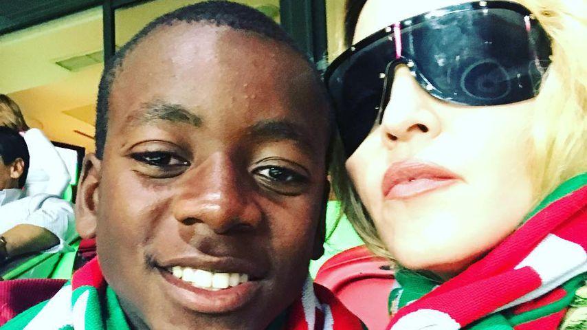 David Banda und Madonna beim WM-Qualifizierungsspiel zwischen Portugal und der Schweiz