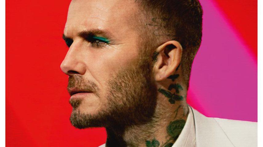 David Beckham mit türkisfarbenem Eyeliner auf Magazin-Cover