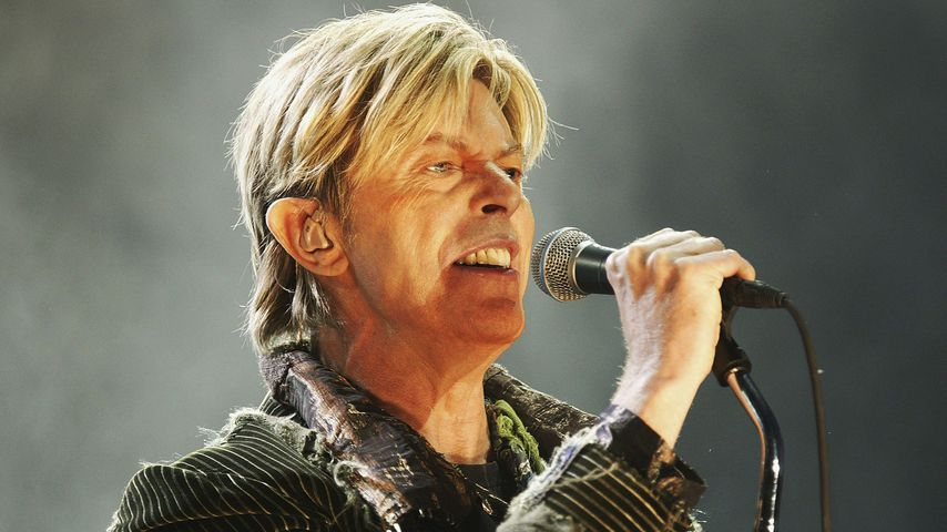 "David Bowie beim Konzert auf dem ""The Nokia Isle of Wight""-Festival 2004"