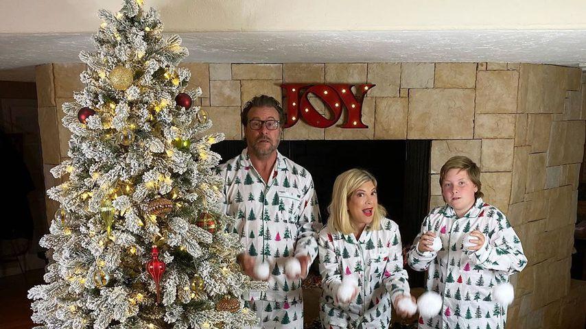 Dean McDermott und Tori Spelling mit ihren gemeinsamen Kindern