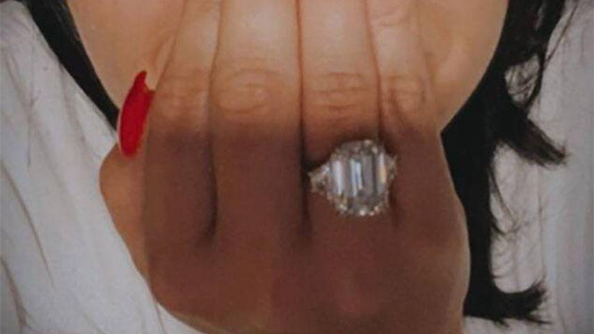 Demi Lovato mit ihrem Verlobungsring