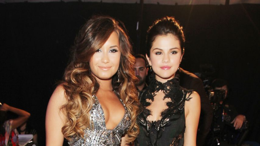 Demi Lovato und Selena Gomez im August 2011 in Los Angeles