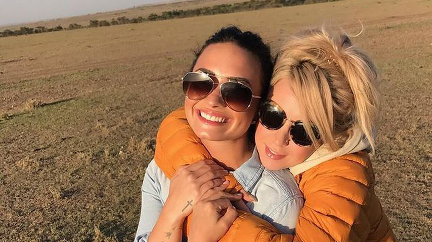 Demi Lovato und Sirah in Afrika