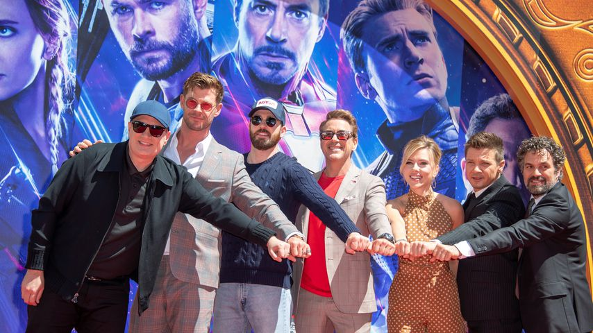 """Der Cast von """"Avengers: Edgame"""" verewigt seine Handabdrücke am Chinese Theatre in Hollywood 2019"""