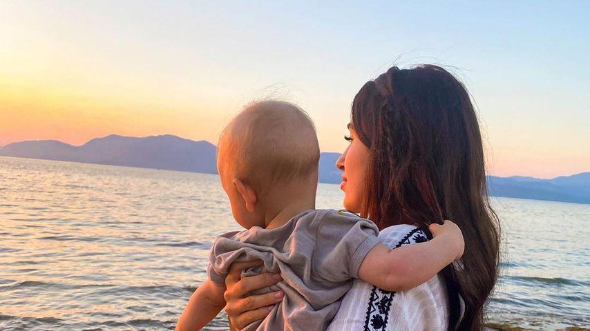 Diana June und ihr Sohn Adrian im Juli 2020 in Griechenland