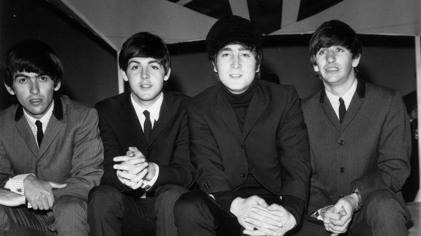 """Die Beatles vor ihrer TV-Show """"Big Night Out"""" in Teddington im Februar 1964"""