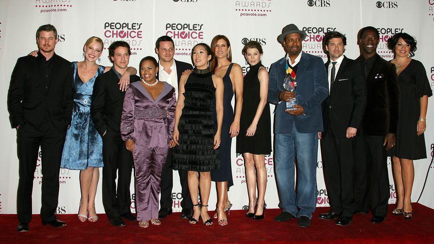 """Die Darsteller der ersten Staffel von """"Grey's Anatomy"""" bei den People's Choice Awards in Los Angeles"""
