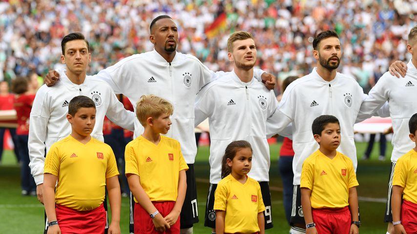 Mesut Özil: Deshalb singt er die Nationalhymne nicht mit