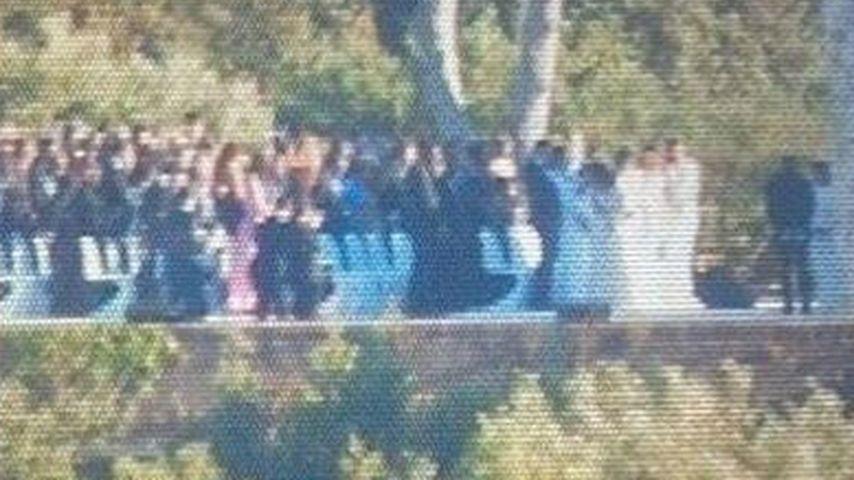 1. Hochzeitsfoto: Sind DAS Kim & Kanye vorm Altar?