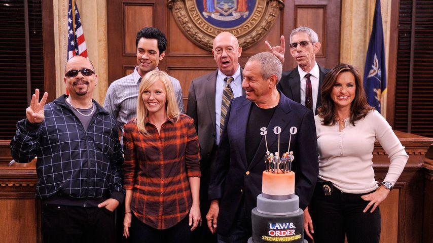 """Die """"Law & Order: SVU""""-Crew bei der Feier zur 300. Folge"""