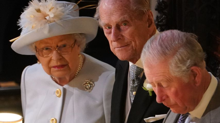 Die Queen, Prinz Philip und Prinz Charles bei Prinzessin Eugenies Hochzeit, 2018