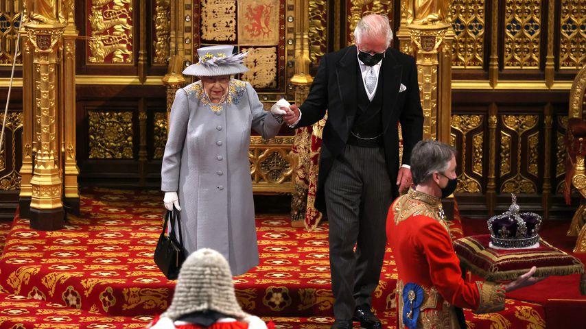 Die Queen und Prinz Charles bei der Parlamentseröffnung 2021